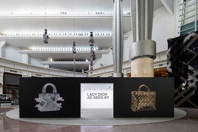 Mostra Lady Dior As Seen By fa tappa a Taipei31lug17 2