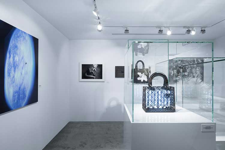 Mostra Lady Dior As Seen By fa tappa a Taipei31lug17 4