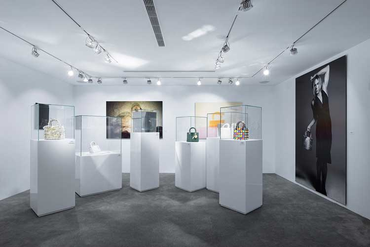 Mostra Lady Dior As Seen By fa tappa a Taipei31lug17 7